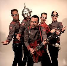The Phenomenauts, Van Goat, Fulminante